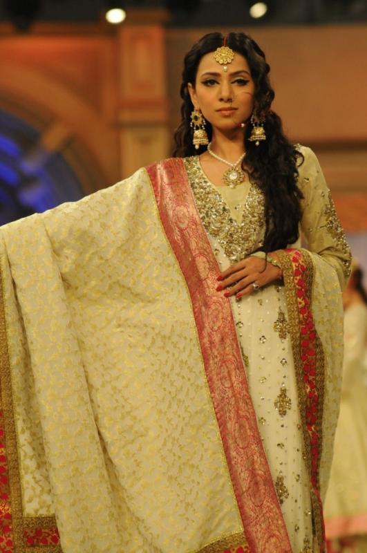 Obaid Sheikh Pantene Bridal Couture Week 2012 Day 1_05