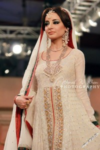 Jewellery Collection at Pantene Bridal Couture Week 2012 by Nadia Chottani by Argentum 1 200x300 jewellery bridal couture week fashion shows