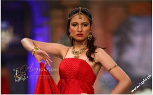 Jewellery Collection at Pantene Bridal Couture Week 2012 by Nadia Chottani by Argentum 5 300x186 jewellery bridal couture week fashion shows