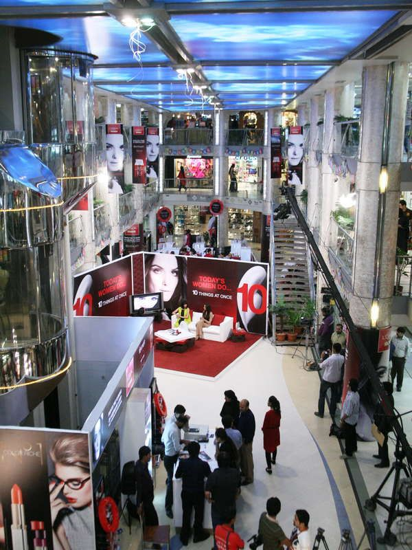 Launch of L'Oreal Paris Interactive Mall Animations _02