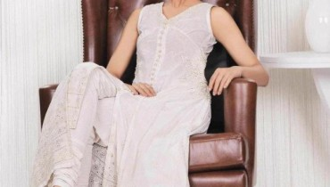 Latest Casual Wear LAwn Dresses For Summer By Bareeze 2012-007