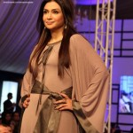 Latest Nomi Ansari Formal Wear Collection at FPW 2012-011