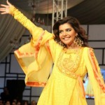 Nomi Ansari Dazzling At Fashion Pakistan Week 2012, Day 3-004