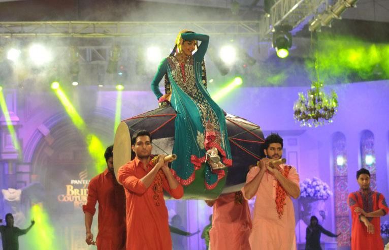 https://style.pk/elan-showcased-at-pfdc-sunsilk-fashion-week-2012-day-01
