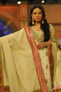 Pantene Bridal Couture Week 2012 day 1 2 199x300 fashion shows