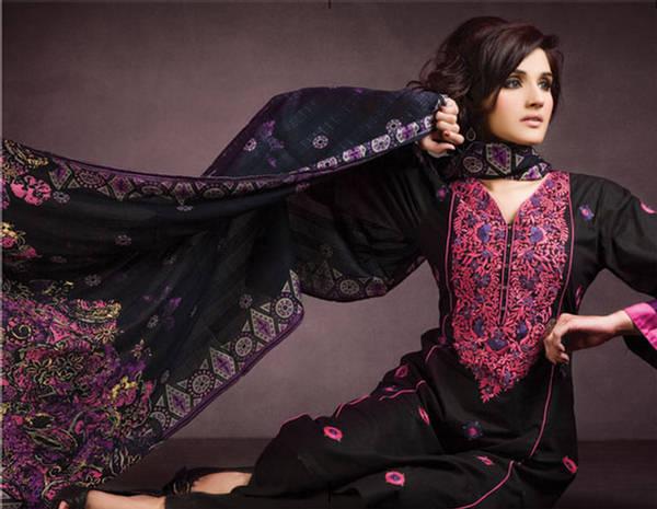 Zara Sheikh's Portfolio and Biography (11)