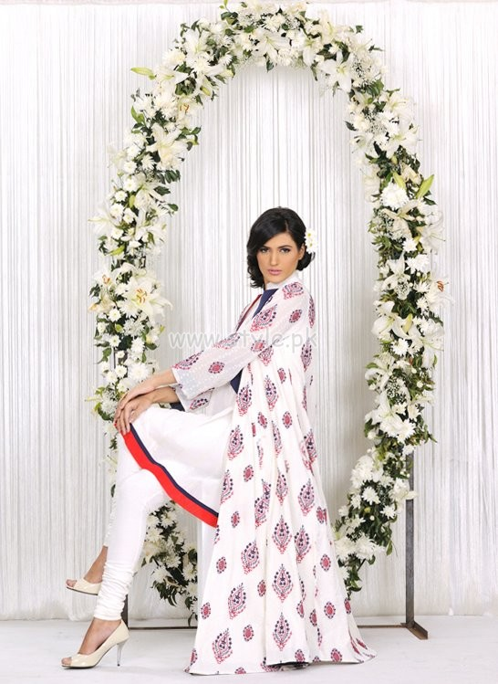 Bareeze Summer 2012 Latest Arrivals Of Embroidered Classic Lawn 006 bareeze pakistani brand
