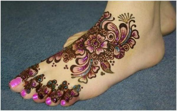 [Image: Eid-Mehndi-Designs-2012-For-Feet-007.jpg]