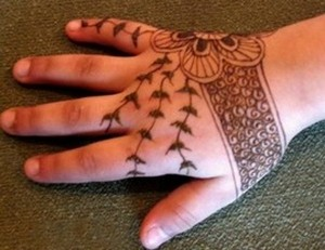 Eid Mehndi Designs 2012 For Kids 004 300x231 mehandi