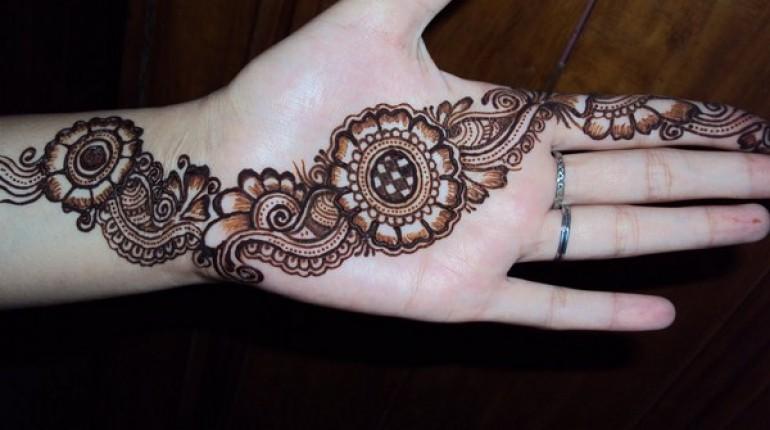 Pakistani Simple Mehndi Designs For Eid