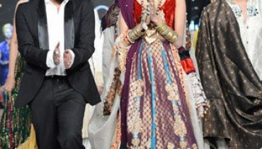 Ali Xeeshan Collection 2012 At L'Oreal Paris Bridal Week 2012 001