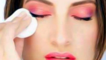 Best Tips For Eyes Makeup Removal 001