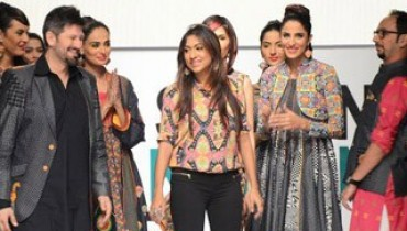 Warda Saleem Collection 2012 At Fashion Pakistan Week, Season 4 001