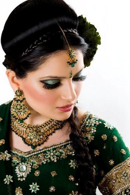 Latest Bridal Mehndi Dresses 2012 2013 001 fashion trends designer dresses bridal dresses