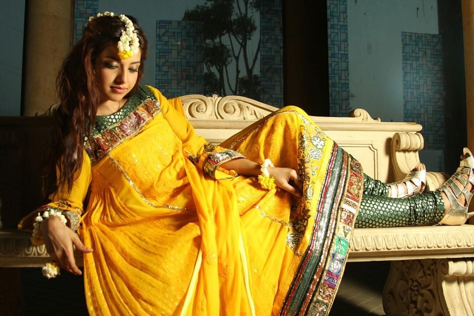 Mehndi Bridal Lehnga : Of mehndi dresses for girls