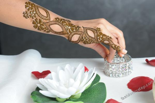 Mehndi Designs 2013 For Girls in Pakistan 022