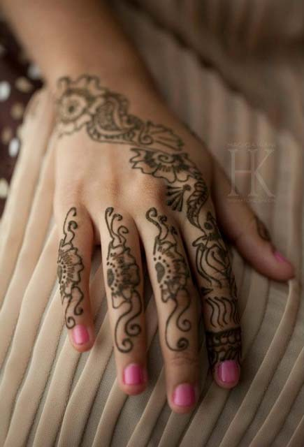Mehndi Designs For Nails : Nail art and mehndi designs by hadiqa kiani signature