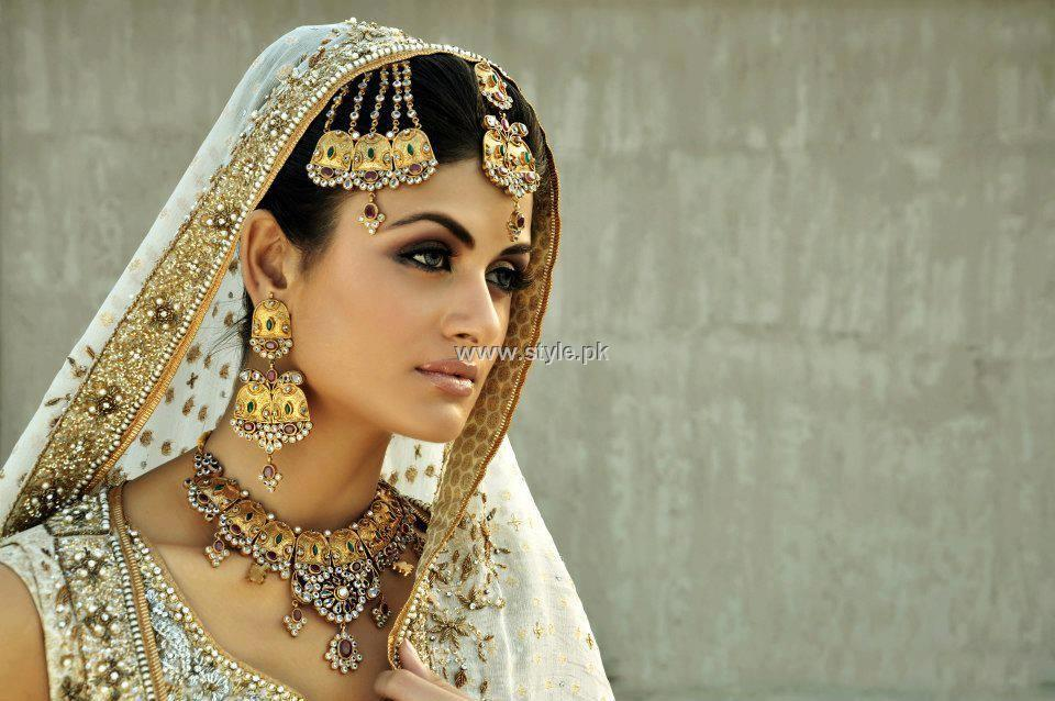 Anum Yazdani Bridal Jewellery 2013 for Women