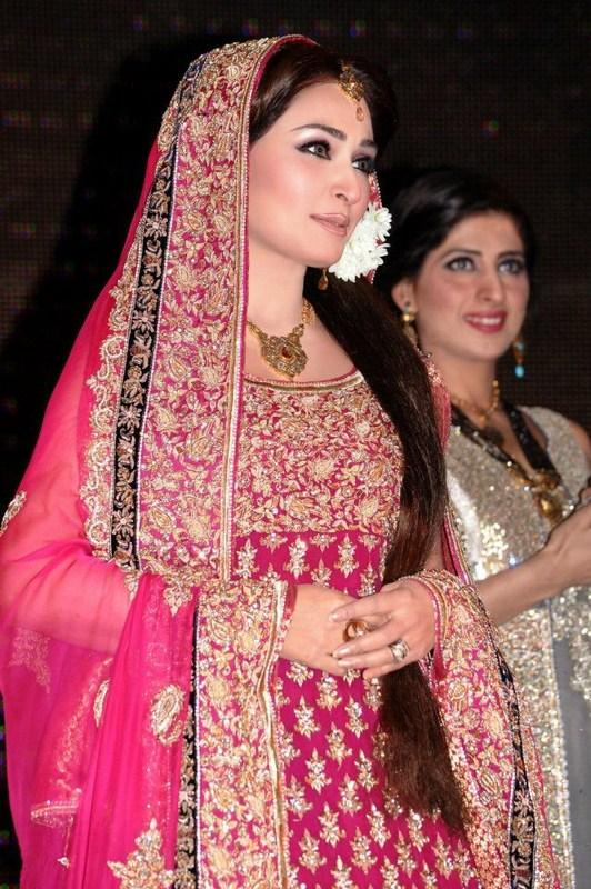 Profile and Pics of Reema Khan Pakistani Actress - Bridal Hairstyles