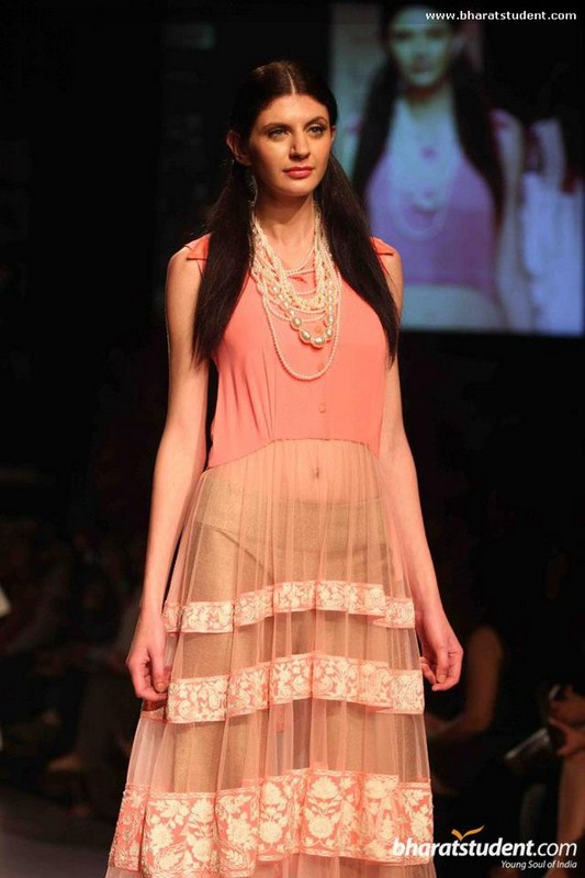Manish Malhotra Spring Collection 2013 At Lakme Fashion Week 0010