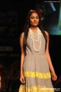 Manish Malhotra Spring Collection 2013 At Lakme Fashion Week 0016