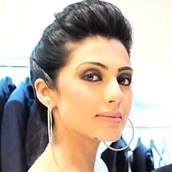 Model-Nadia-Malik-