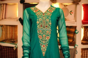 Neckline Designs 2013 for Women's Clothes