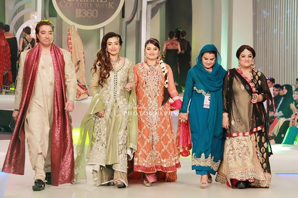 Mona Imran Collection At  Bridal Couture Week 2013  002