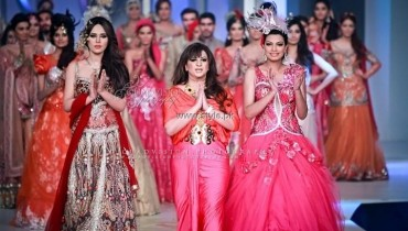 Anjalee and Arjun Kapoor Collection at BCW 2013