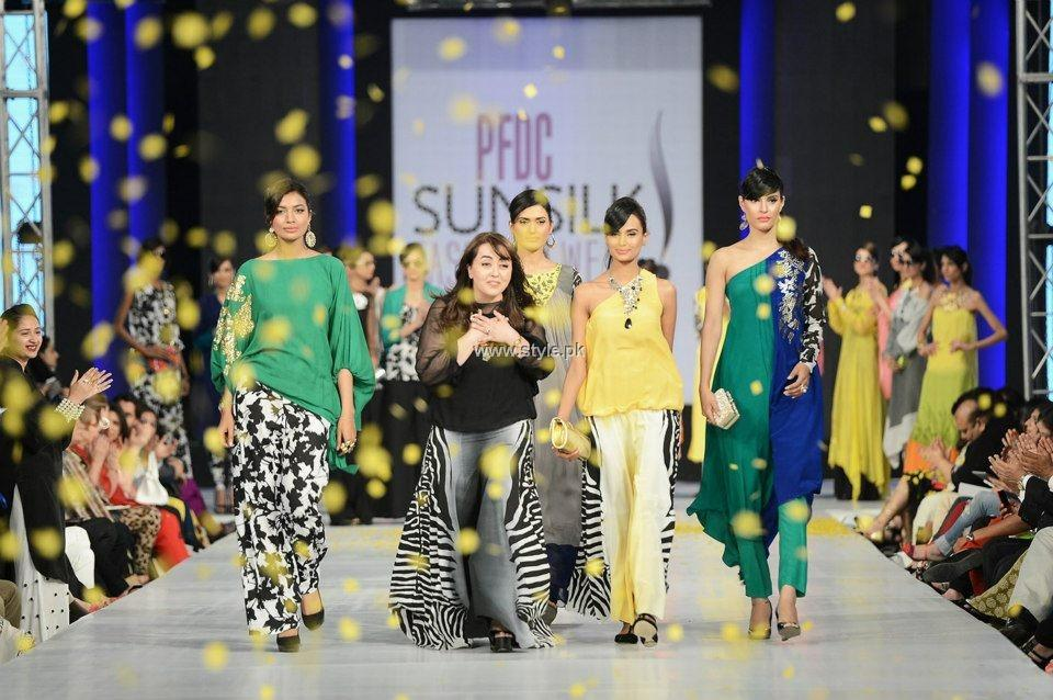 Maria B. Collection at PFDC Sunsilk Fashion Week 2013 010 fashion shows designer dresses