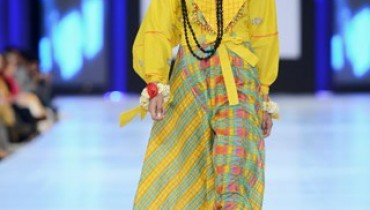 Shariq Textiles Collection At PFDC Sunsilk Fashion Week 2013 001