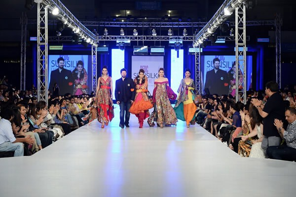 Tapu Javeri Collection At PFDC Sunsilk Fashion Week 2013 0029
