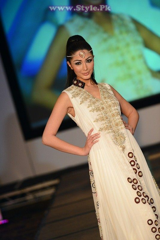 Farhan and Ambreen appearing in a London fashion show