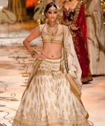 Rohit Bal Bridal Collection At Indian Bridal Fashion Week 2013 0042 150x180 international fashion brands
