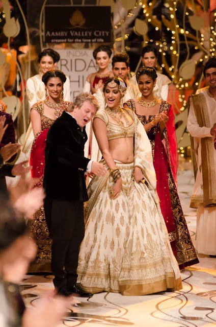 Rohit Bal Bridal Collection At Indian Bridal Fashion Week 2013 43 international fashion brands