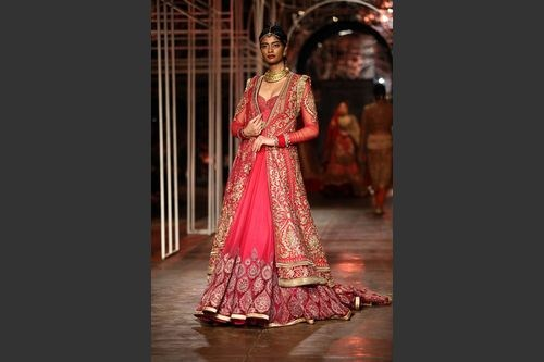 Tarun Tanhiliani Collection At Indian Bridal Fashion Week 2013 0011