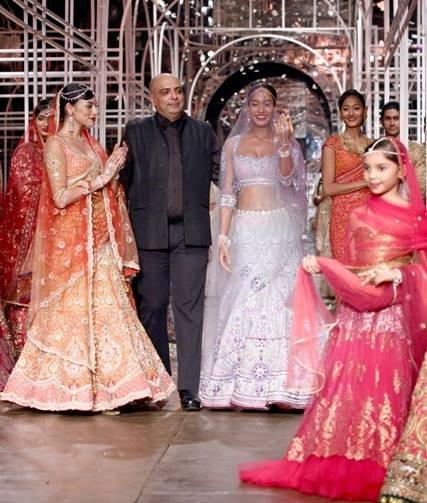 Tarun Tanhiliani Collection At Indian Bridal Fashion Week 2013 004