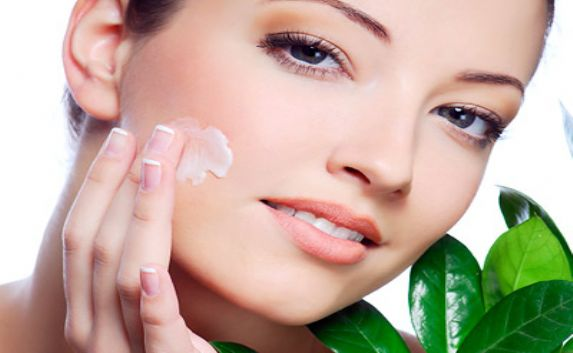 how to take care of oily skin 573x353