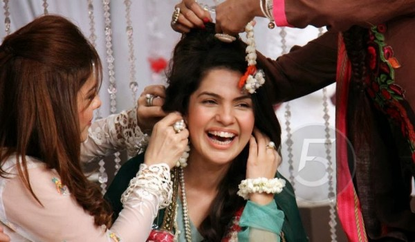 Kiran Khan Wedding Pictures 600x350 celebrity gossips
