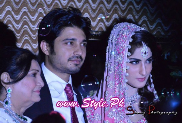 Sana Khan and Babar Khan Wedding Pic 08 600x405 celebrity gossips bridal dresses