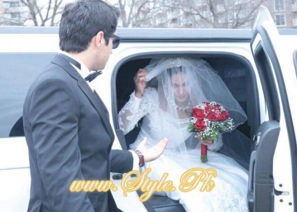 Veena Malik Valima Reception In White Wedding Style Pic 02