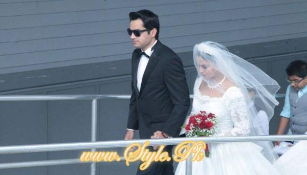 Veena Malik Valima Reception In White Wedding Style Pic 08