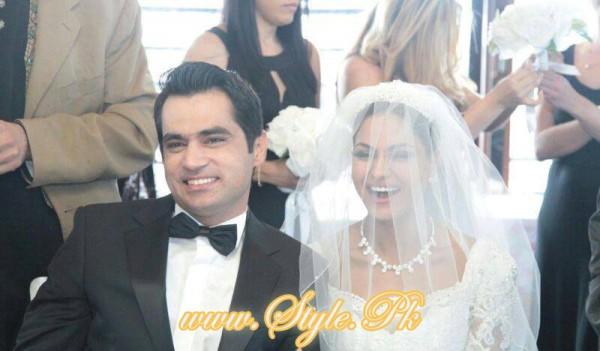 Veena Malik Valima Reception In White Wedding Style Pic 11