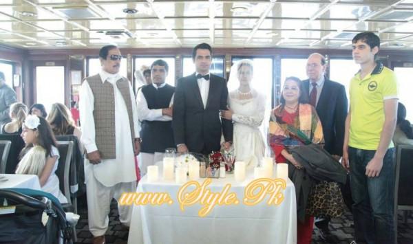 Veena Malik Valima Reception In White Wedding Style Pic 16