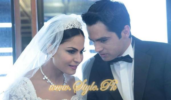 Veena Malik Valima Reception In White Wedding Style Pic 22