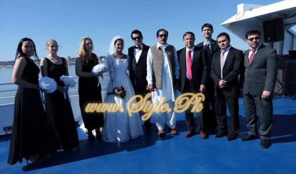 Veena Malik Valima Reception In White Wedding Style Pic 24