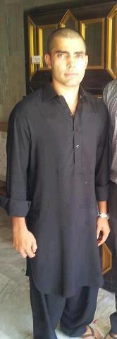 Umar Akmal Umrah Pics 04
