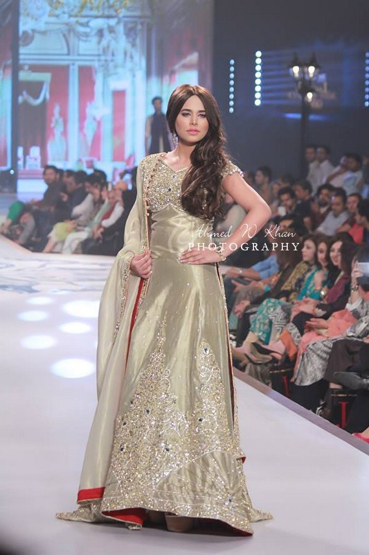Mansoor Akram Collection At Pantene Bridal Couture Week 2014 006