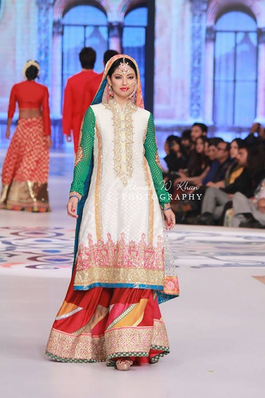 Nomi Ansari Collection At Pantene Bridal Couture Week 2014 003