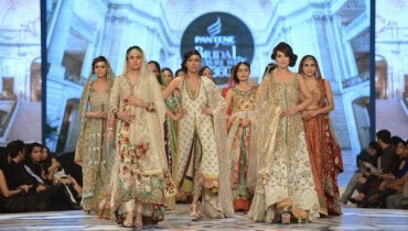 Teena Durrani Collection At Pantene Bridal Couture Week 2014 001